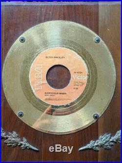 In-house gold presentation award for Elvis Presley 7 Suspicious Minds + bonus