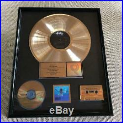 Nirvana Nevermind Top Rare Gold Disc RIAA certfind Gold record award presented