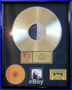 PEARL JAM EDDIE VEDDER VS. RIAA RECORD AWARD GOLD MIKE McCREADY RARE PRESS